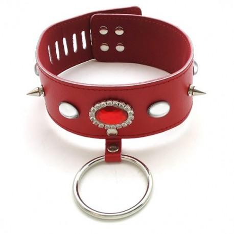 Collier en cuir avec elliptoid rouge, piques et anneau