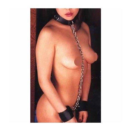 Le détenu du sexe : Collier et menottes reliés ensemble par chaîne !
