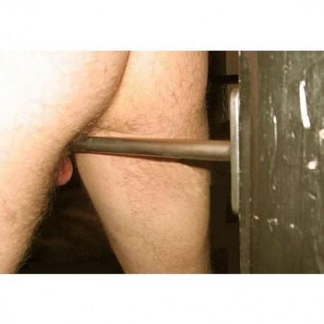 Bras d'attache de chasteté pour testicules